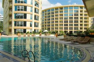 Condominium for rent Pattaya showing the communal pool
