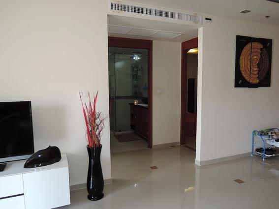 Condominium for rent Pattaya showing the bathroom access