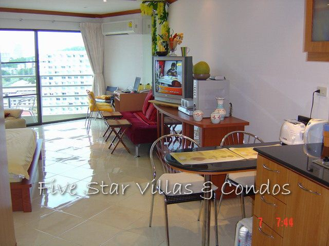 Condominium for rent in Jomtien at View Talay 2A showing the dining area