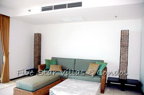 Condominium for rent on Pattaya Beach at NORTHSHORE showing the living area