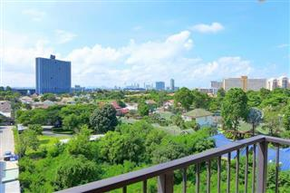 Condominium For Sale South Pattaya showing the balcony view