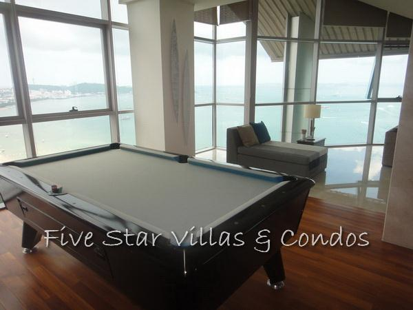 Condominium for rent on Pattaya Beach at Northshore showing an entertaining area
