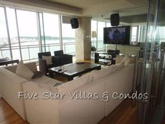 Condominium for rent on Pattaya Beach at Northshore showing the TV room
