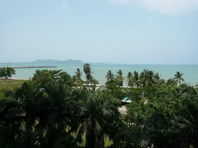 Condominium for sale at Na Jomtien Ban Amphur showing the balcony view