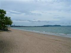 Condominium for sale at Na Jomtien Ban Amphur showing the local beach