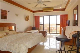 Condominium for sale South Pattaya showing the sleeping area