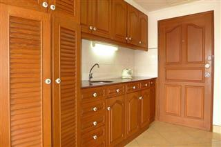 Condominium for sale South Pattaya showing the European-style kitchenette