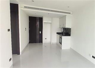 Condominium for sale on Pratumnak Hill showing the kitchen