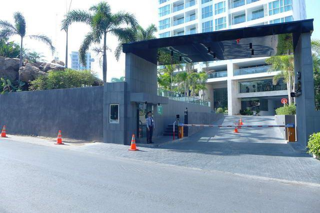 Condominium for sale on Pratumnak Hill showing the entrance to the project