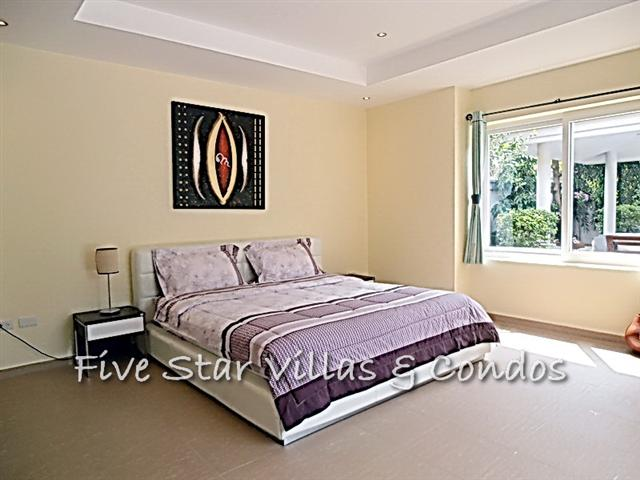 House for rent Pattaya at Siam Royal View showing the master bedroom