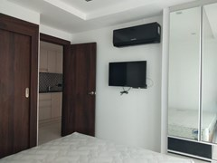 Condominium for sale Wong Amat showing the bedroom suite