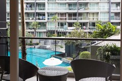 Condominium for rent Pattaya showing the balcony and views