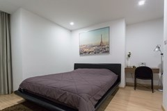 Condominium for rent Pattaya showing the bedroom and office area