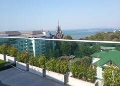 Condominium for rent Wong Amat showing the communal garden rooftop and view