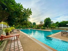 Condominium for sale Ban Amphur showing the communal pool