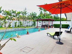 House for sale Huay Yai Pattaya showing the terrace and pool