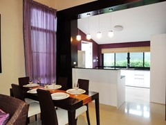 House for rent Pattaya showing the dining and kitchen areas