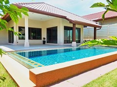 House for sale Huay yai Pattaya showing the pool and covered terraces