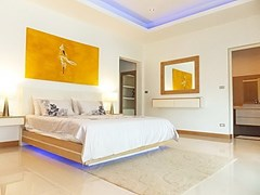 House for Sale at The Vineyard Pattaya showing the master bedroom suite