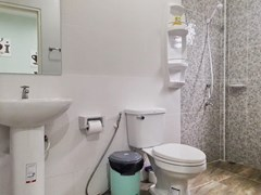 House for Sale East Pattaya showing the bathroom