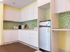 Condominium for rent Jomtien Pattaya showing the kitchen