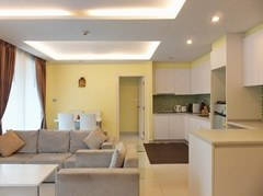 Condominium for rent Jomtien Pattaya showing the living, dining and kitchen areas
