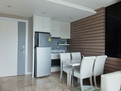 Condominium for rent Jomtien Pattaya showing the dining area and kitchen