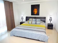 Condominium for rent South Pattaya showing the full bedroom furniture