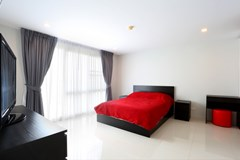 Condominium For Sale Pattaya showing the master bedroom