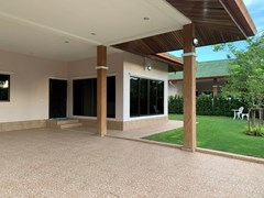 House for rent East Pattaya showing the carport and garden