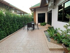 House for rent East Pattaya showing the terrace