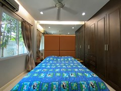 House for rent East Pattaya showing the third bedroom with wardrobes