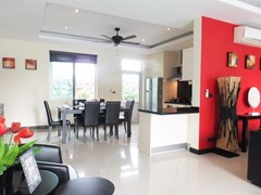 House for rent Mabprachan Pattaya showing the dining area