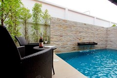 House for rent East Jomtien showing the private pool