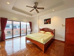 House for sale Jomtien showing the second bedroom with balcony