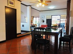 House for sale East Pattaya showing the dining area and entrance