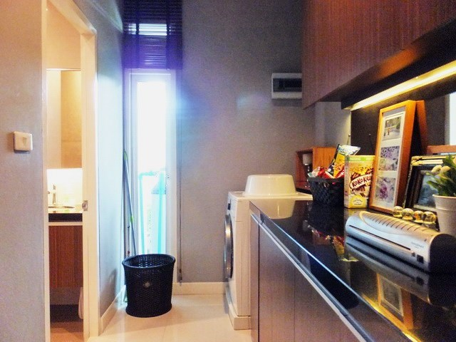 House for sale Huay Yai Pattaya showing the laundry area