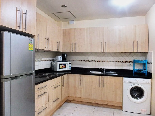 House for sale Pratumnak Pattaya showing the kitchen