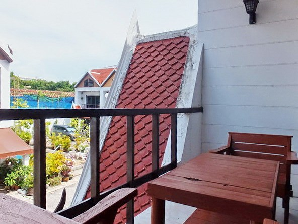 House for sale Pratumnak Pattaya showing the balcony