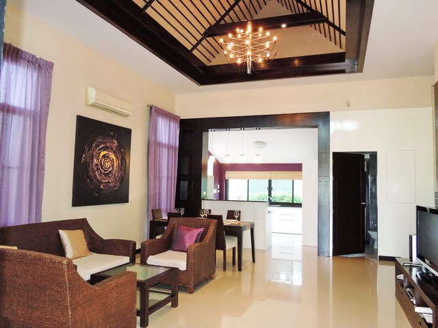 House for rent Pattaya showing open plan living