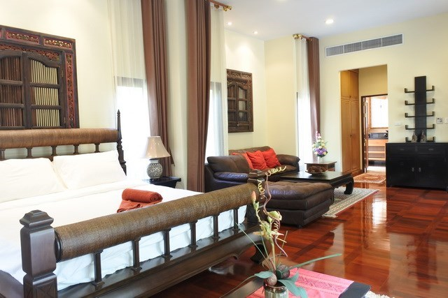 House for sale at Na Jomtien showing the master bedroom suite