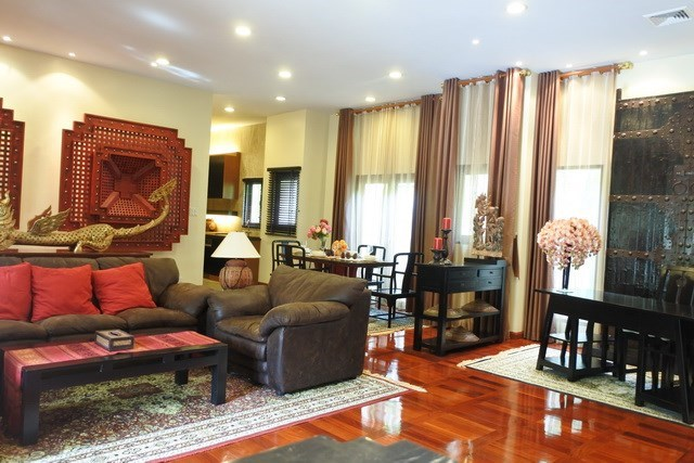 House for sale at Na Jomtien showing the open plan concept