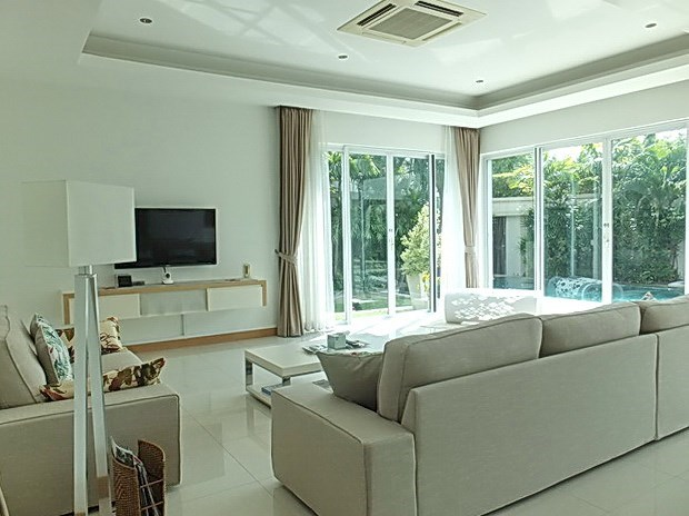 House for Sale at The Vineyard Pattaya showing the living room