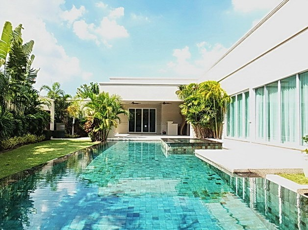 House for Sale at The Vineyard Pattaya showing the private pool and covered terrace