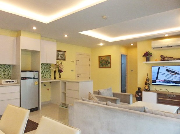 Condominium for rent Jomtien Pattaya showing the open plan concept