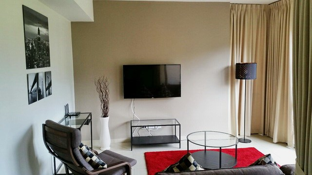 Condominium for rent UNIXX South Pattaya showing the open plan living area