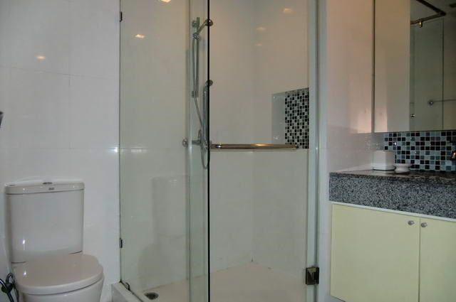 Condominium for Rent Pattaya Beach showing the bathroom