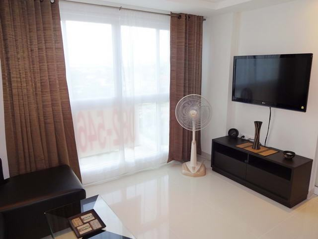 Condominium for rent South Pattaya showing the media wall
