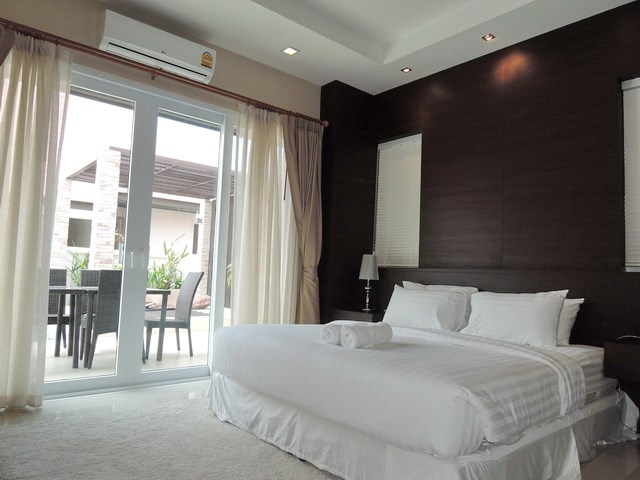 House for rent East Jomtien showing the master bedroom