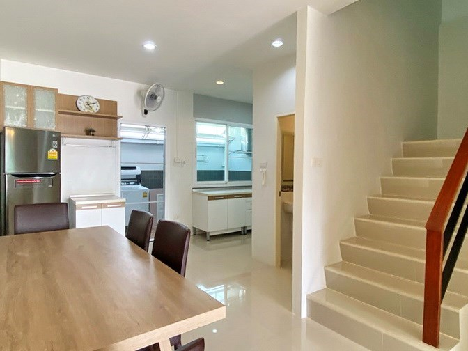House for rent East Pattaya showing the dining area and guest bathroom